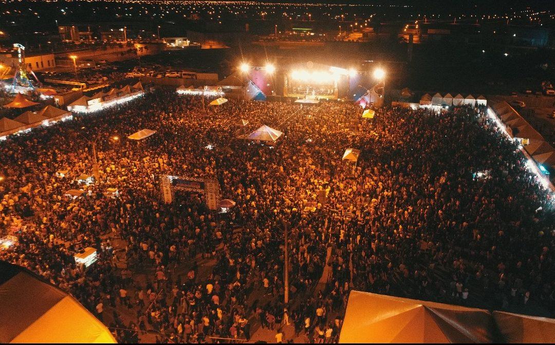 LEM: Mais uma noite de muita festa na Praça dos Três Poderes