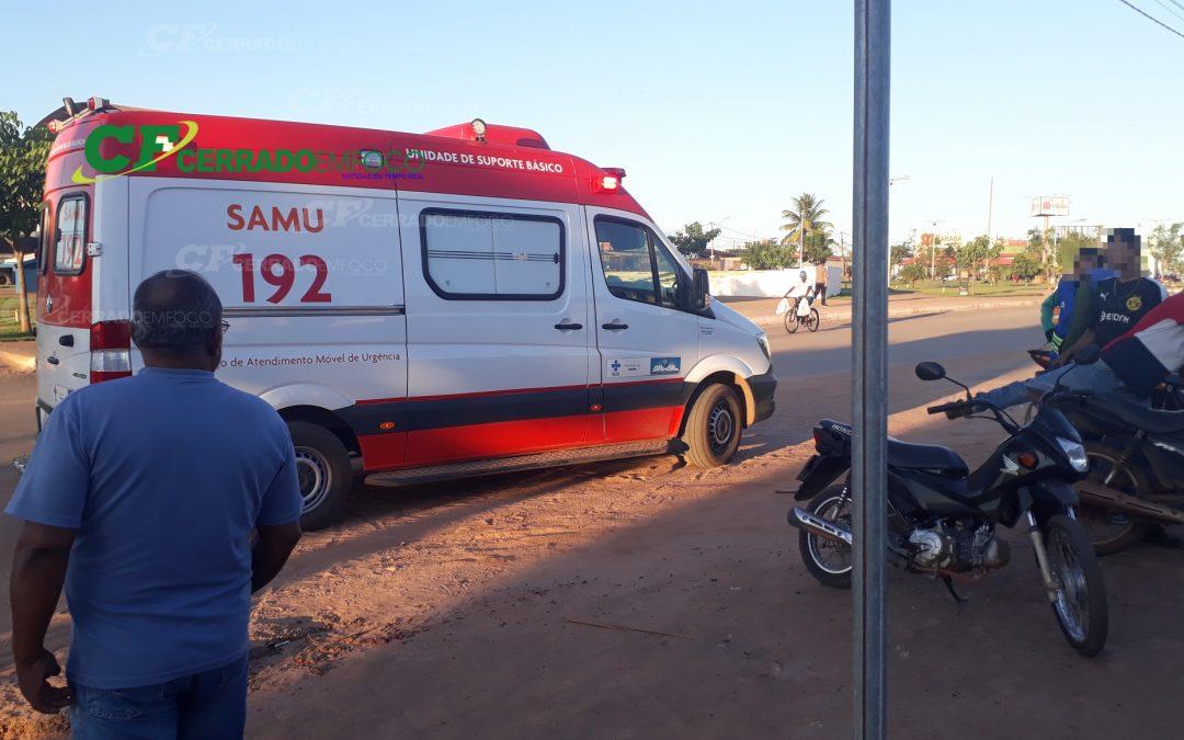 LEM: Ciclista fica ferida após colidir contra veículo.