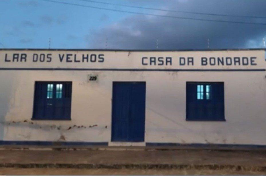 Mais de 10 idosos que moram em abrigo de Itaberaba, na Bahia, testam positivo para Covid-19