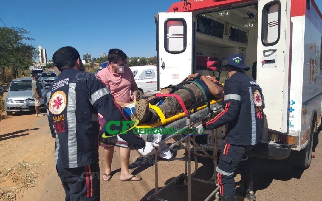 LEM: Acidente entre motocicleta e automóvel deixa pessoa ferida no bairro Florais Léa.