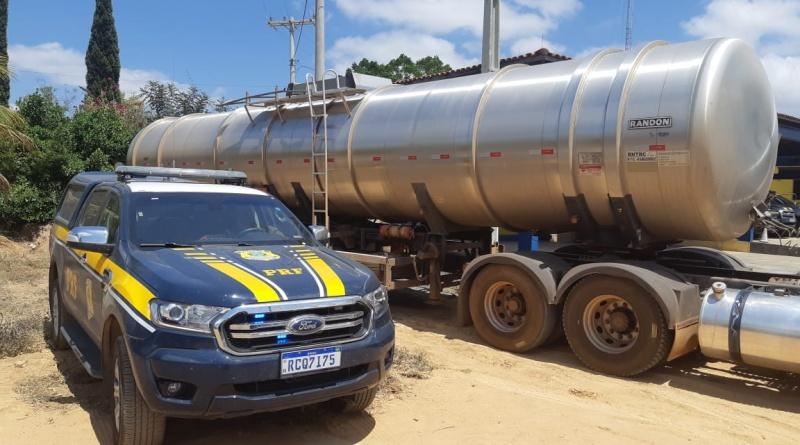 Seabra (BA): Carga de combustível avaliada em quase R$100.000,00 é apreendida pela PRF sem nota fiscal na Chapada Diamantina