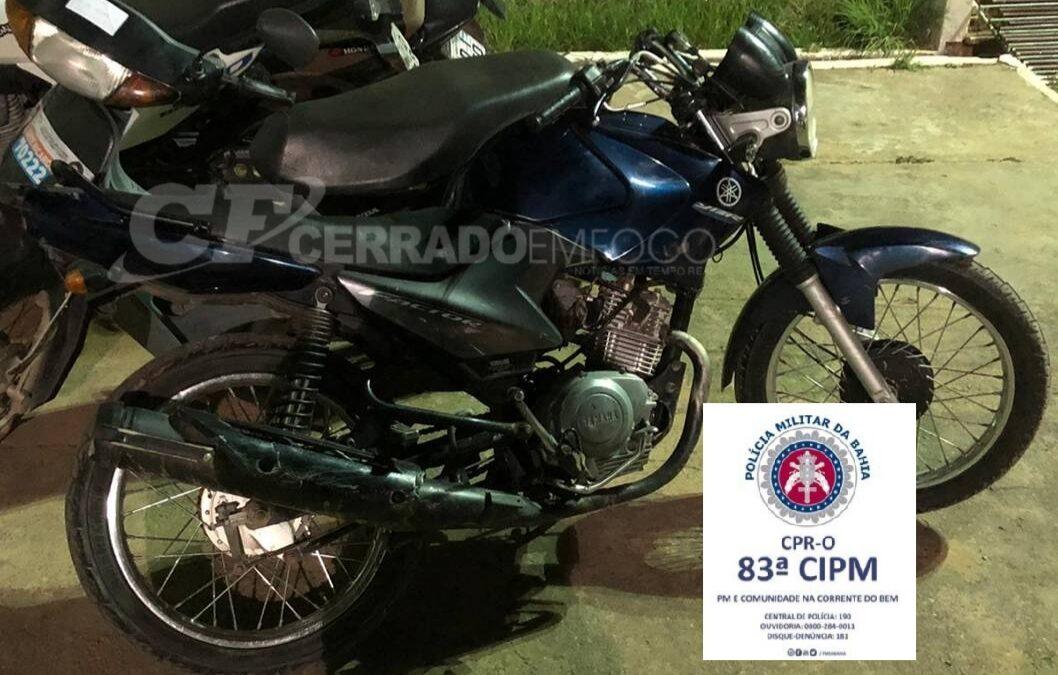 """Barreiras-BA: 83ª CIPM recupera veículo com restrição de furto/roubo e prende autor de homicídio durante """"Operação Enxameamento""""."""