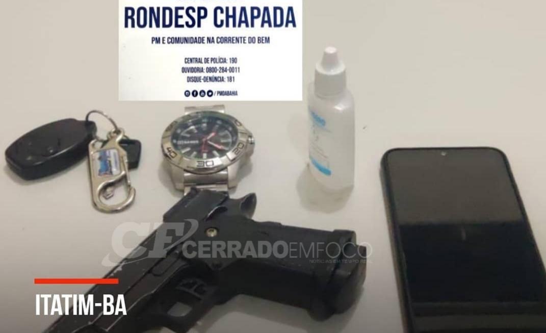 Itatim-BA: Homem é detido com simulacro de arma de fogo.