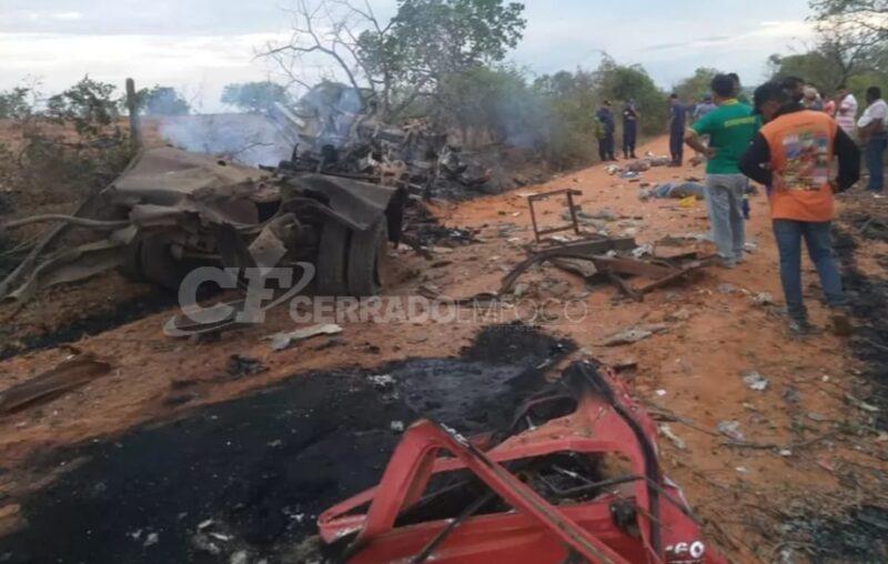 Cocos-BA: Três pessoas morrem após caminhão explodir.