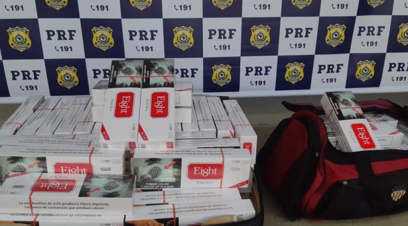Barreiras-BA: Passageiro de ônibus é flagrado pela PRF transportando 19.000 cigarros contrabandeados de origem paraguaia.