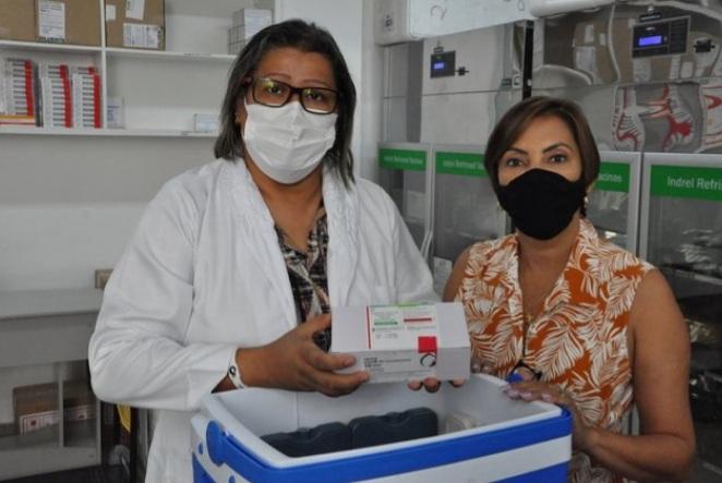 Barreiras recebe 1.510 doses da Vacina de Oxford para o combate à Covid-19